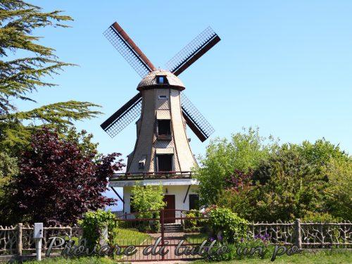 Mulino Val – l'unico mulino a vento in stile olandese d'Italia