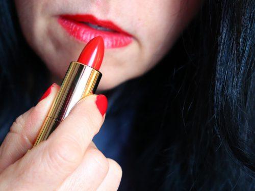 Rossetto rosso –come sceglierlo e come applicarlo per un risultato perfetto