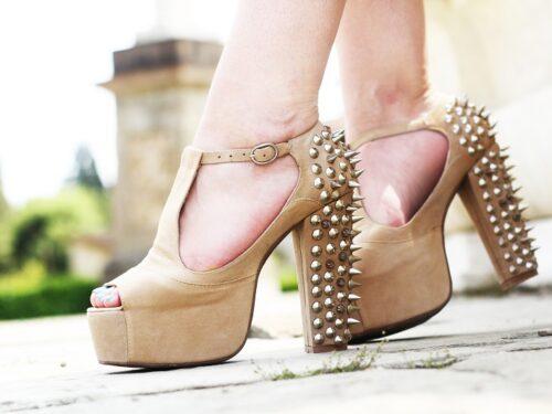 Jeffrey Campbell, scarpe grintose per donne dinamiche